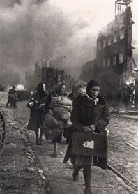 germans fleeing red army danzig 1945